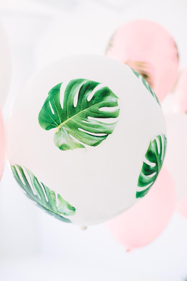 DIY-Palm-Leaf-Balloons