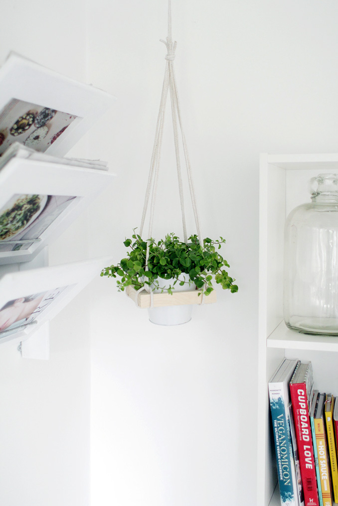 Fall-For-DIY-Sqaure-Hanging-Planter-how-to