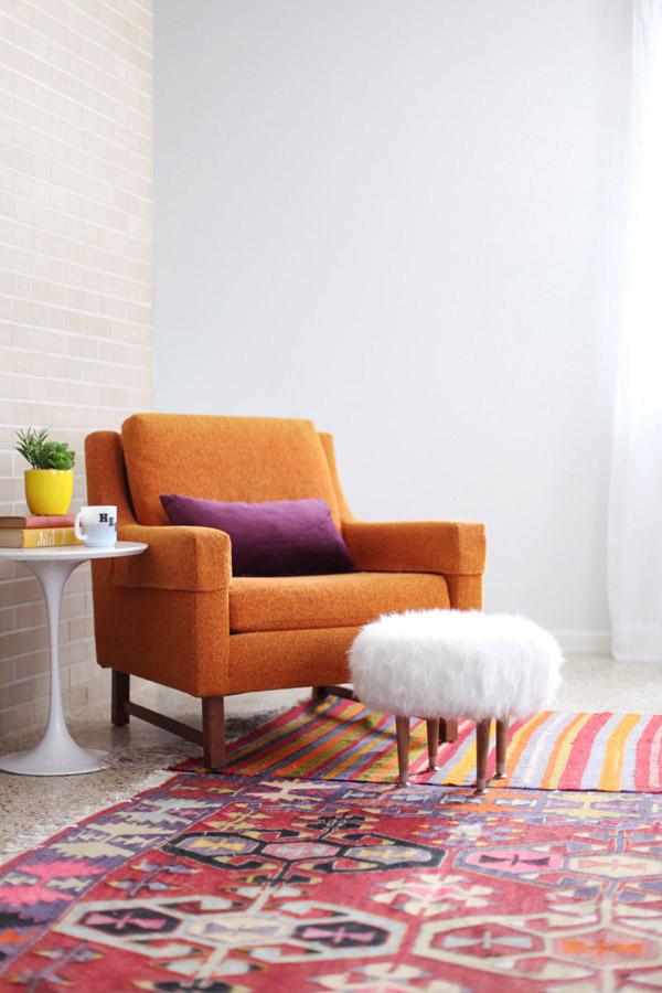 DIY_faux_fur_footstool