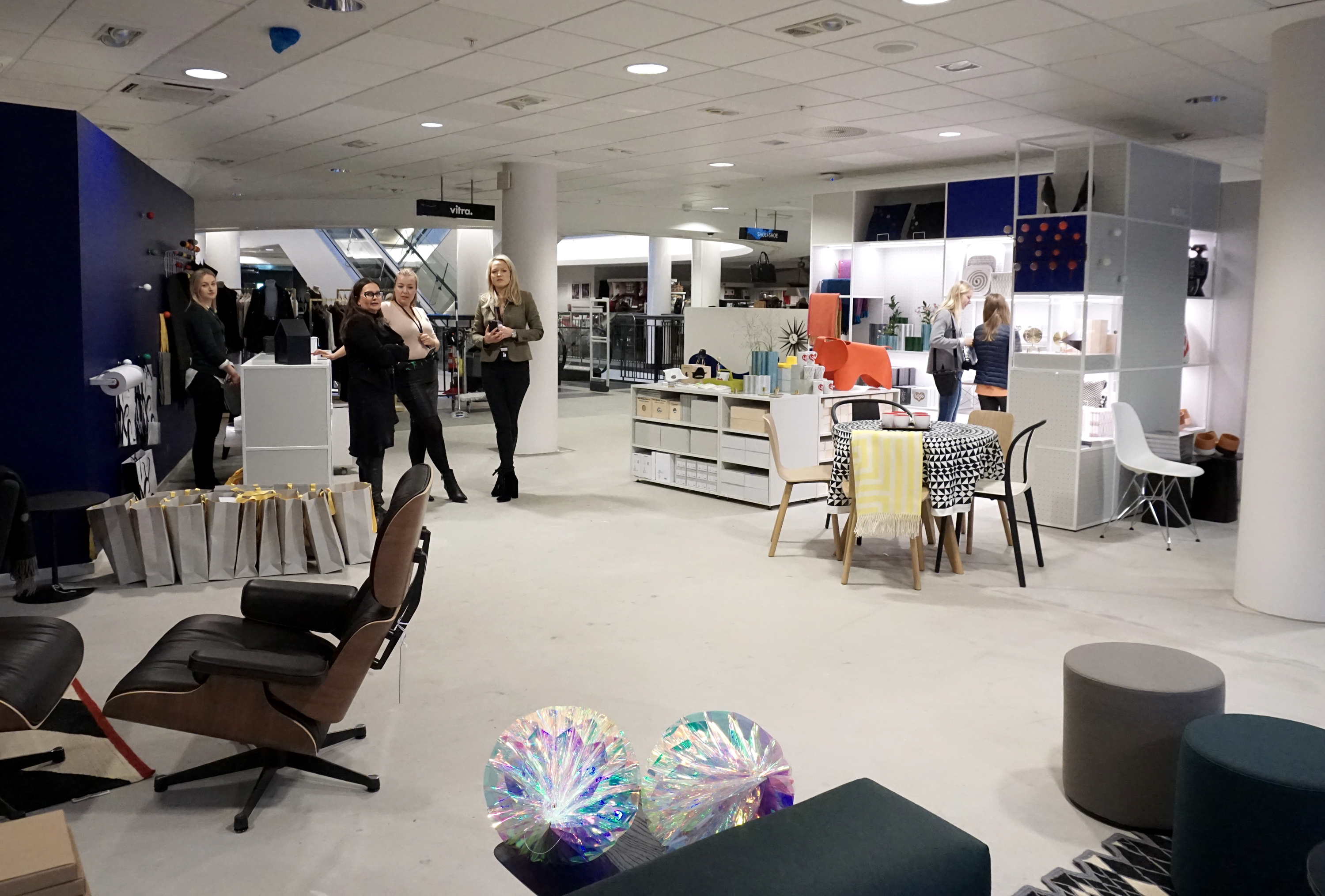 vitra pop up shop steen og strøm