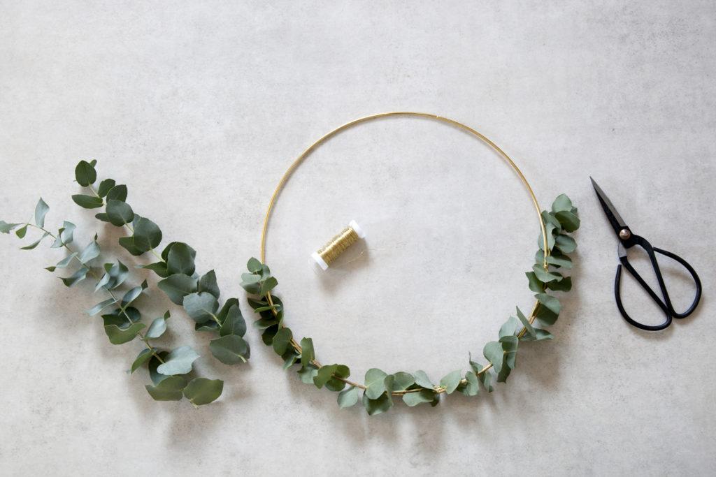 diy julekrans med eucalyptus